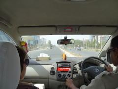 インドツアーで使う車