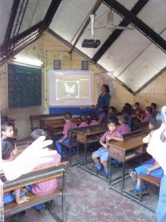 インドの貧困層のためのNGO学校