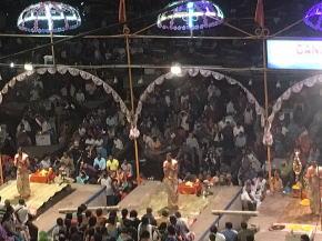 ガンジス河アルティの儀式