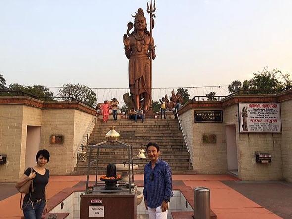 デリー近くのシヴァ大神像