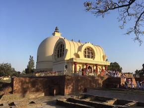 仏教遺跡クシナガル大涅槃寺