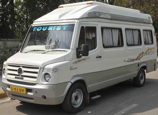 インド車マイクロバス