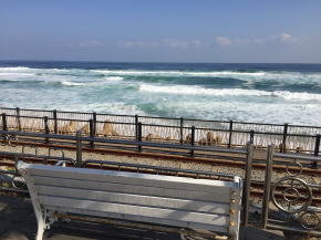 正東津駅からみた海