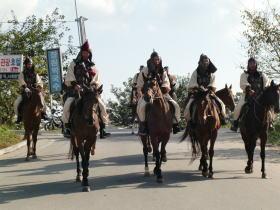 百済騎馬軍団の行列