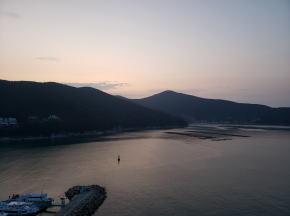 長承浦港の朝