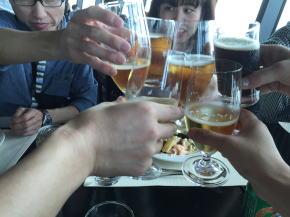 360カフェでお昼の乾杯