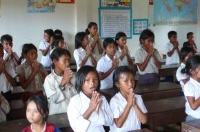 カンボジア 小学校視察
