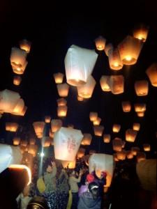 平渓天燈祭打ち上げ風景