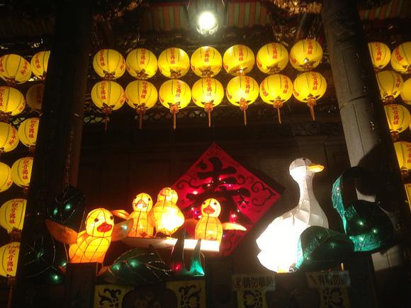 龍山寺のランタン