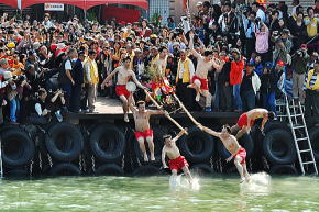 台湾旅行 野柳神明浄港文化祭