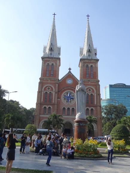 ホーチミン市 サイゴン大聖堂