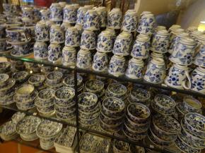 バチャン村の陶磁器